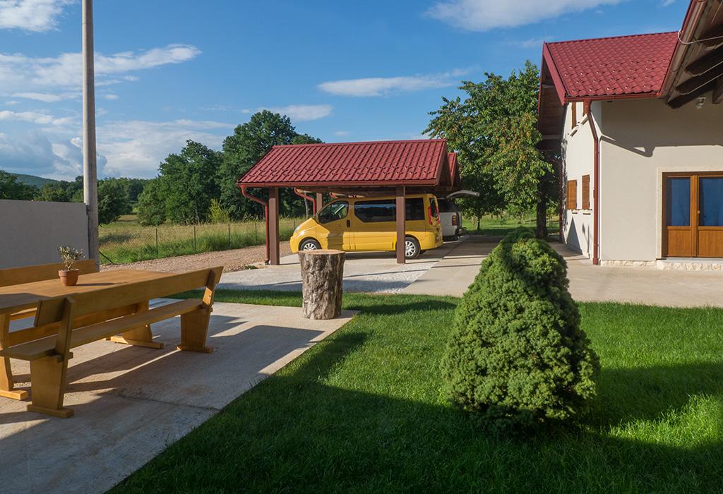 Exclusive Villas Joja - Joja House - Exterior - Parking